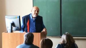 Перед студентами-кинологами в 420 аудитории ВСХА